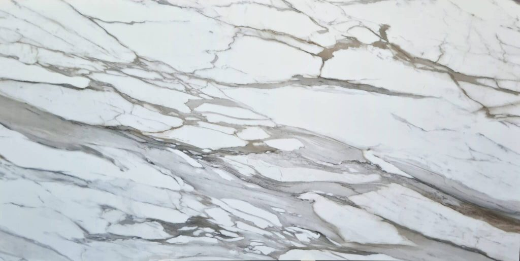 Calacatta Borghini is variation of marble that falls in natural stones