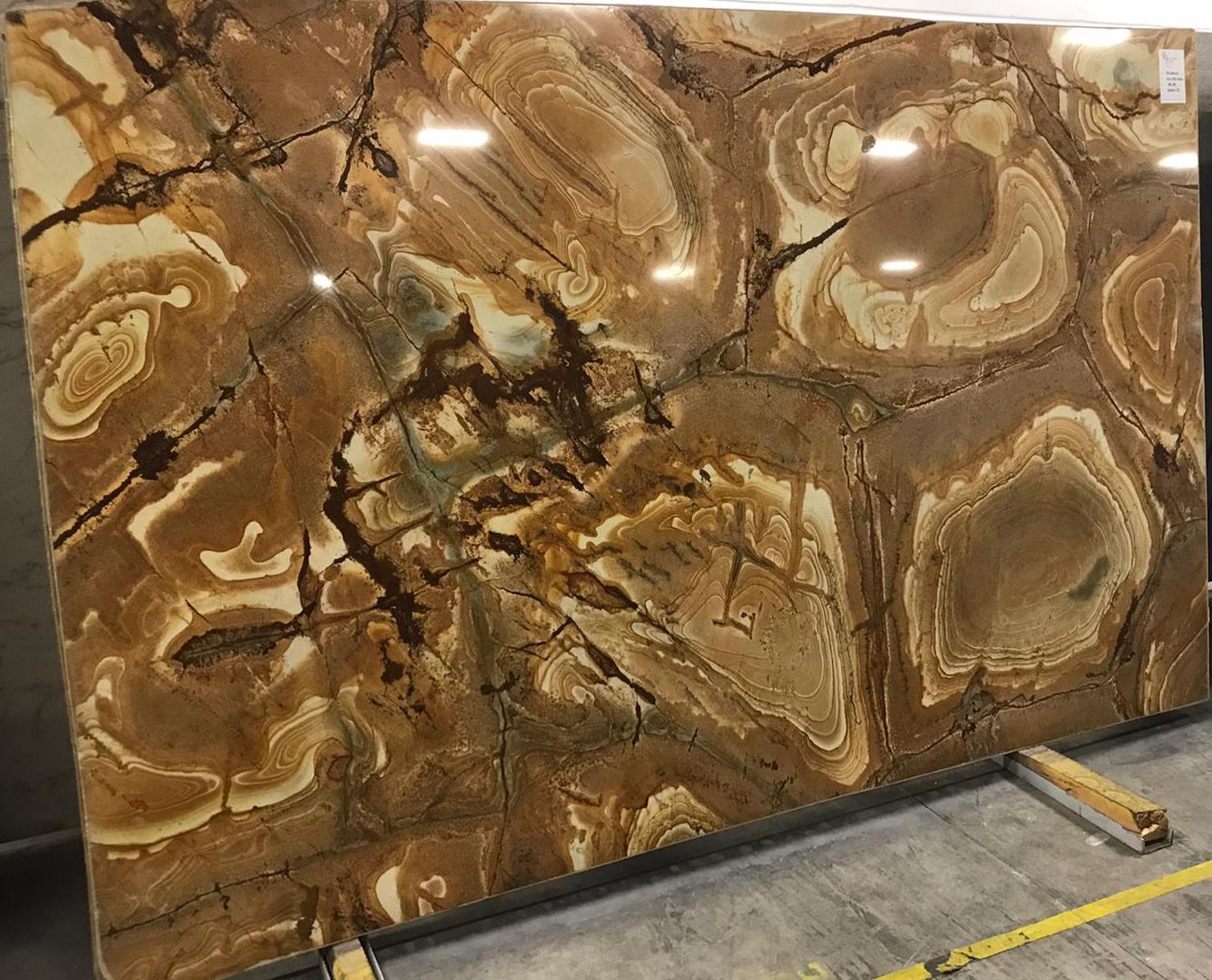 Palomino is a very luxury granite. It is the most popular material for luxury hotels and home decorations.